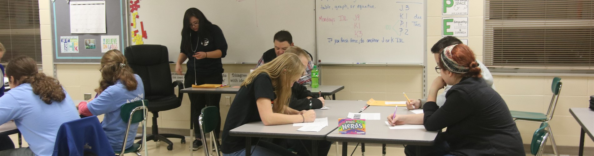 Dell Rapids hosted their annual meet on Nov. 5. The two home teams worked hard to answer questions in a variety of categories.